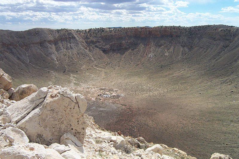 Arizona'daki Barringer krateri, çarpma (İngilizce: impact) yoluyla meydana geldiği ispat edilen ilk kraterdir.