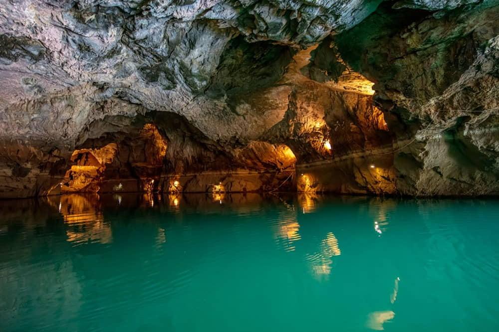 Dünyanın Üçüncü, Türkiye'nin En Uzun Yeraltı Gölü: Altınbeşik Mağarası