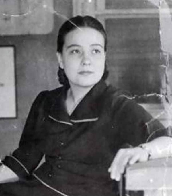 Feriha Sanerk (1923-2010)  Türkiye'nin İlk Kadın Emniyet Müdürü
