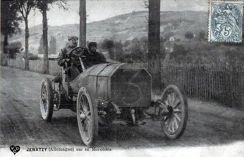 ilk yarış otomobillerinden Mercedes 35 HP
