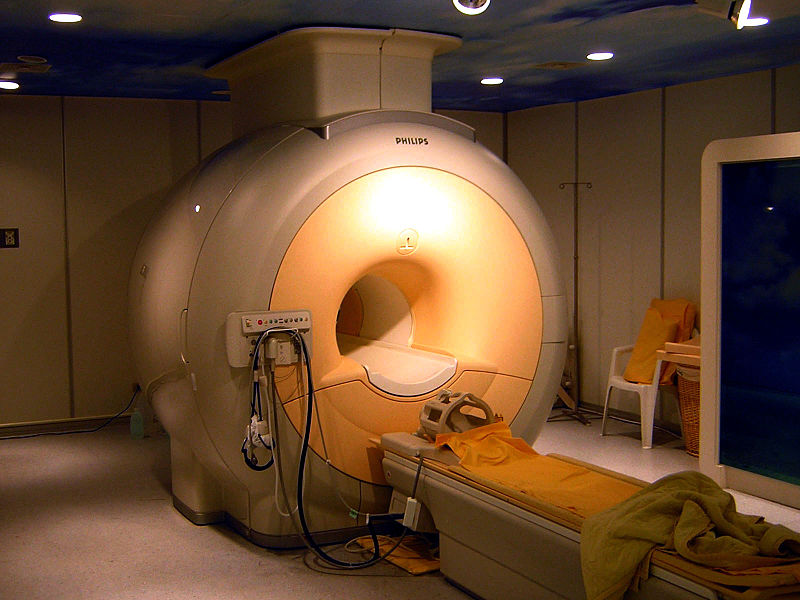 Sıvı helyumun, süperiletken mıknatısların soğutulmasında kullanıldığı bir modern manyetik rezonans görüntüleme tarayıcısı