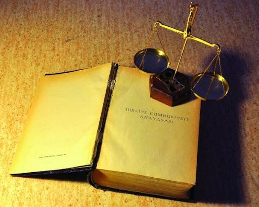 Anayasa Nedir? Anayasa çeşitleri nelerdir?