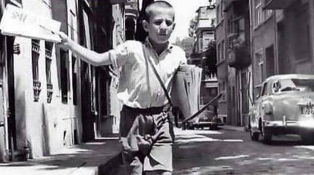 Yazıyor yazıyor diye bağıran gazeteci çocuk 72 yaşında vefat etti
